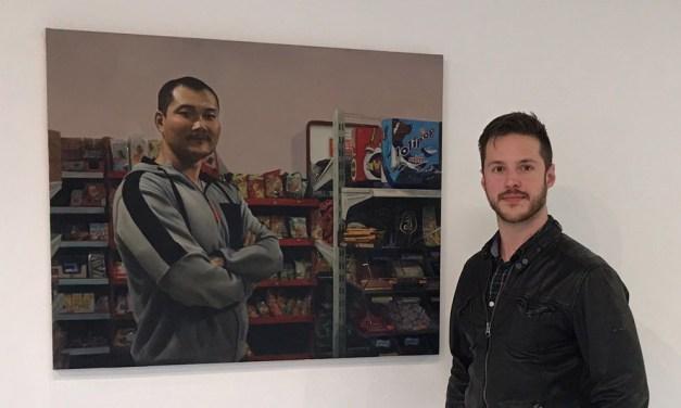 Cultura muestra en el Centro Párraga los retratos hiperrealistas del ceheginero Paco Fernández