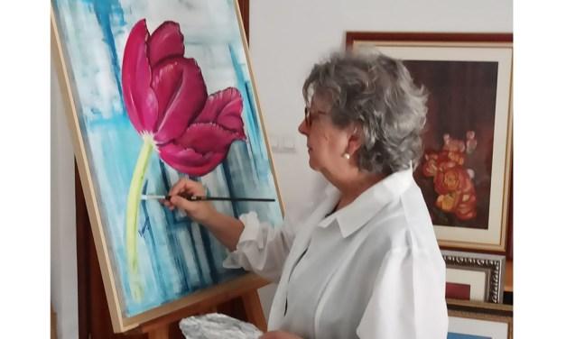 El Casino Cultural de Moratalla acoge la primera exposición monográfica de la pintora Ana María Almagro