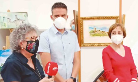 Ana María Almagro y la pintura sobre seda