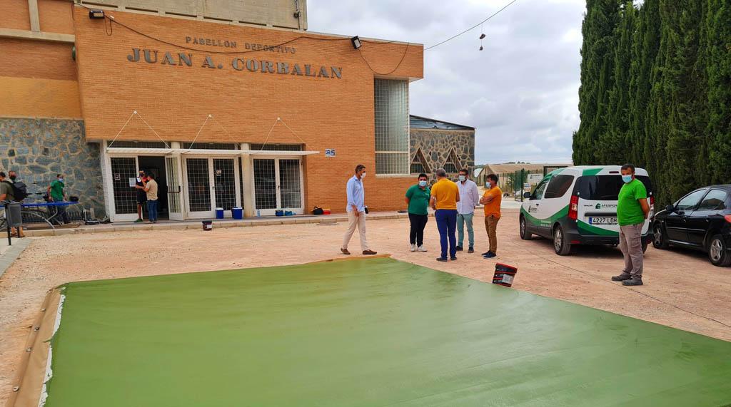 El Ayuntamiento de Caravaca habilita zonas de juego en los exteriores del pabellón Corbalán para fomentar la práctica deportiva al aire libre
