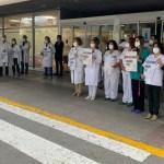 Personal sanitario y pacientes protestan en el Área IV ante la falta de especialistas y médicos de familia