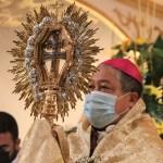 «Termino mi visita a esta querida Diócesis a los pies de la Santa Cruz»