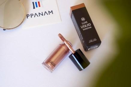 maquillage fard liquide yeux rire cosmetics