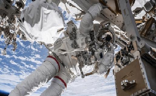 Rusia pica primero en carrera para grabar una película en el espacio