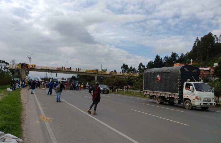 Día de cierres intermitentes en vías de Sabana Centro (Videos e Imágenes)