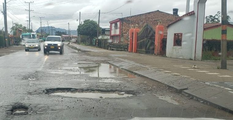 Zipaquirá: exigen mejoras en la vía  Barandillas – Nemocón y en la vía Cogua
