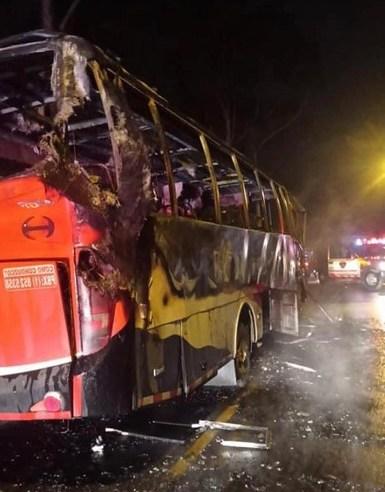 Incendian bus de transporte público en la vía Zipaquirá – Cogua
