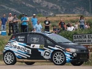 Los ganadores Dani Balasch y Manel Muñoz en su Mitsubishi Colt / Foto: C.Pascual