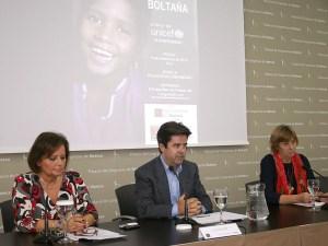 El alcalde de Huesca Luis Felipe y Pilar de la Vega, presidenta de Unicef Aragón /Foto: Ayto. de Huesca