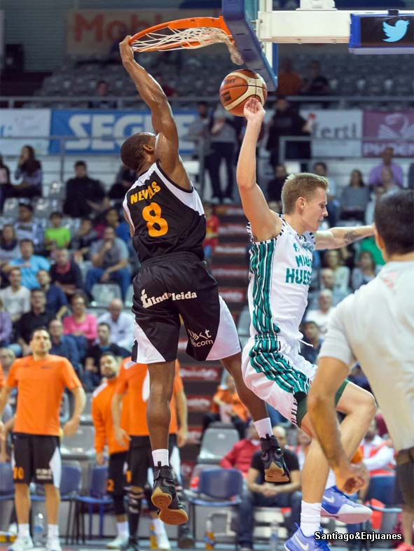 Momento del partido en Lleida / Foto: Santiago&Enjuanesjugado