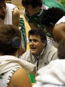 Carlos Lanau se hará cargo de la primera plantilla hasta contratar a un nuevo entrenador / Foto: C.Pascual