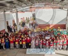 Entrega Memo Vega obra en escuela Mártir de Chihuahua