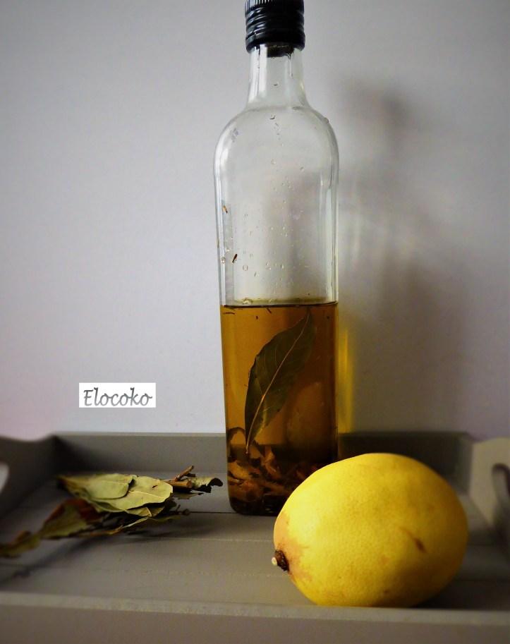 Huile d'olive au citron, thym, laurier et romarin
