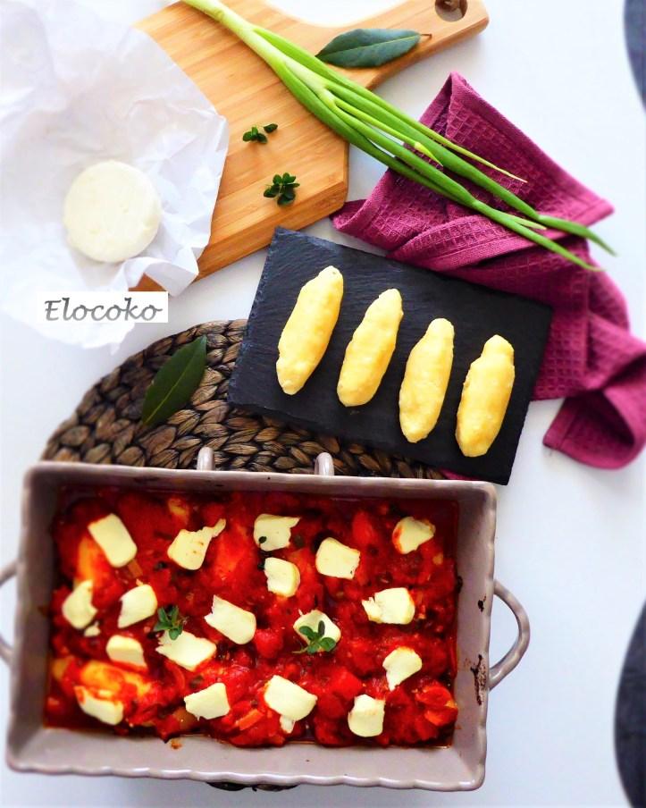 Quenelles de semoule, sauce tomate aux herbes et chèvre frais