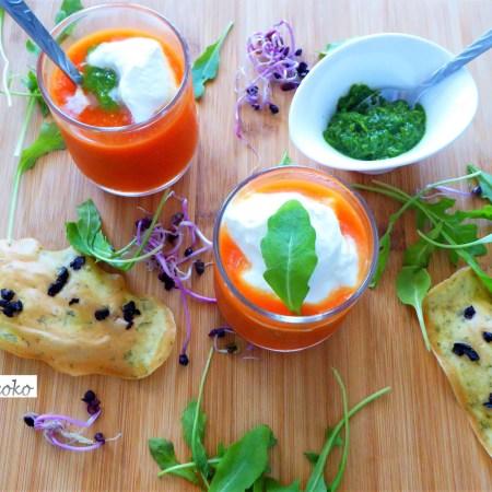 Crème de tomate, pesto de roquette et crème légère au yaourt