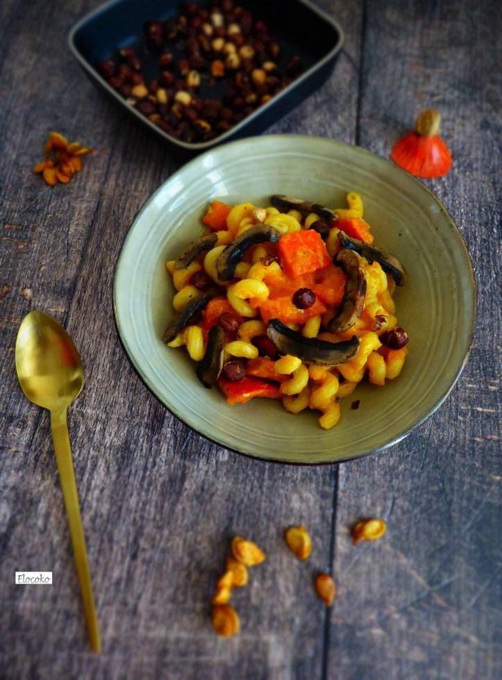 one pot pasta d'automne courge gorgonzola noisettes et champignons