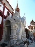 Temple en construction