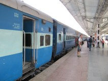 Arrivée en gare de Udaipur ... un peu cassés!