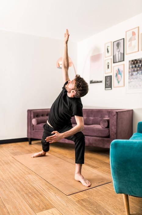 idée cadeau pour homme : un tapis de yoga yogamatata en caoutchouc naturel et liège !