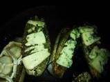 montadito de endivias al horno y queso azul