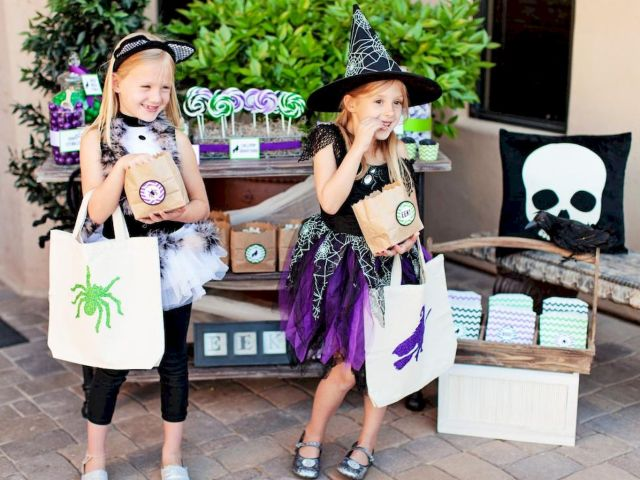 Cute Halloween party decorations for children Part 38