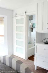 Easy Bathroom Makeover Inspirations with Cheap Decoration and Accessories Part 11