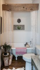 Easy Bathroom Makeover Inspirations with Cheap Decoration and Accessories Part 20