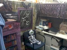 Inspiring Decoration Ideas of Halloween Cubical Office (35)