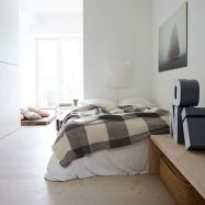 White Bedroom Decorating Ideas with Beautiful Accent Part 25