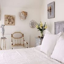 White Bedroom Decorating Ideas with Beautiful Accent Part 36
