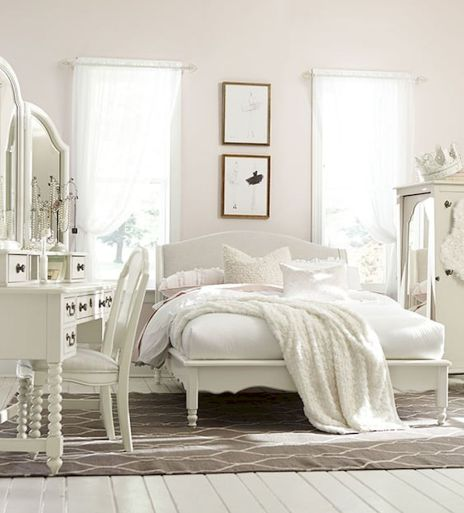 White Bedroom Decorating Ideas with Beautiful Accent Part 40