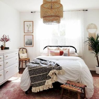 Warm Cozy Bedroom with Beautiful Rug Decoration Part 28