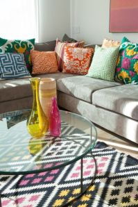 Amazing ideas of cushions as beautiful decoration to enhance living room refreshing atmosphere Part 13