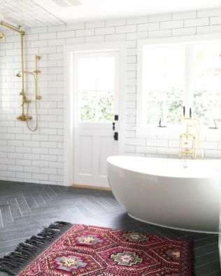 Artsy bathtub ideas for classy bathroom designs Part 24