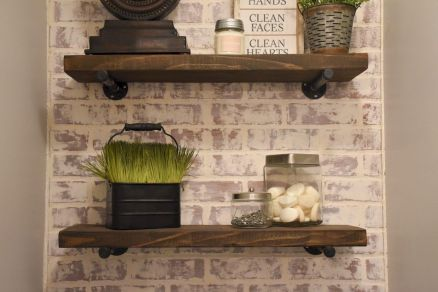 DIY bathroom shelves from wood pallets that improve bathroom looks Part 1