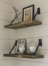 DIY bathroom shelves from wood pallets that improve bathroom looks Part 11