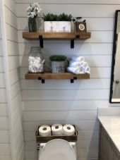 DIY bathroom shelves from wood pallets that improve bathroom looks Part 17