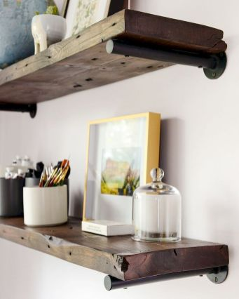 DIY bathroom shelves from wood pallets that improve bathroom looks Part 3
