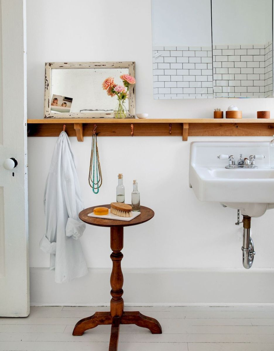 Effective bathroom organization with easy open shelving ideas Part 10