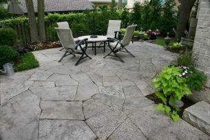 Inspiring outdoor and garden paving ideas using flagstones Part 1
