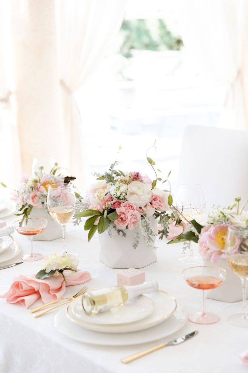 Lovely Table Decoration for Valentine Wedding Theme Part 21