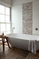 Modern white bathtub designs that improve your bathroom display Part 8