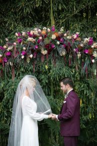 Romantic Spring Wedding Decoration with Green Peach and Cherry Pink Color Themes That Look Very Lovely Part 20