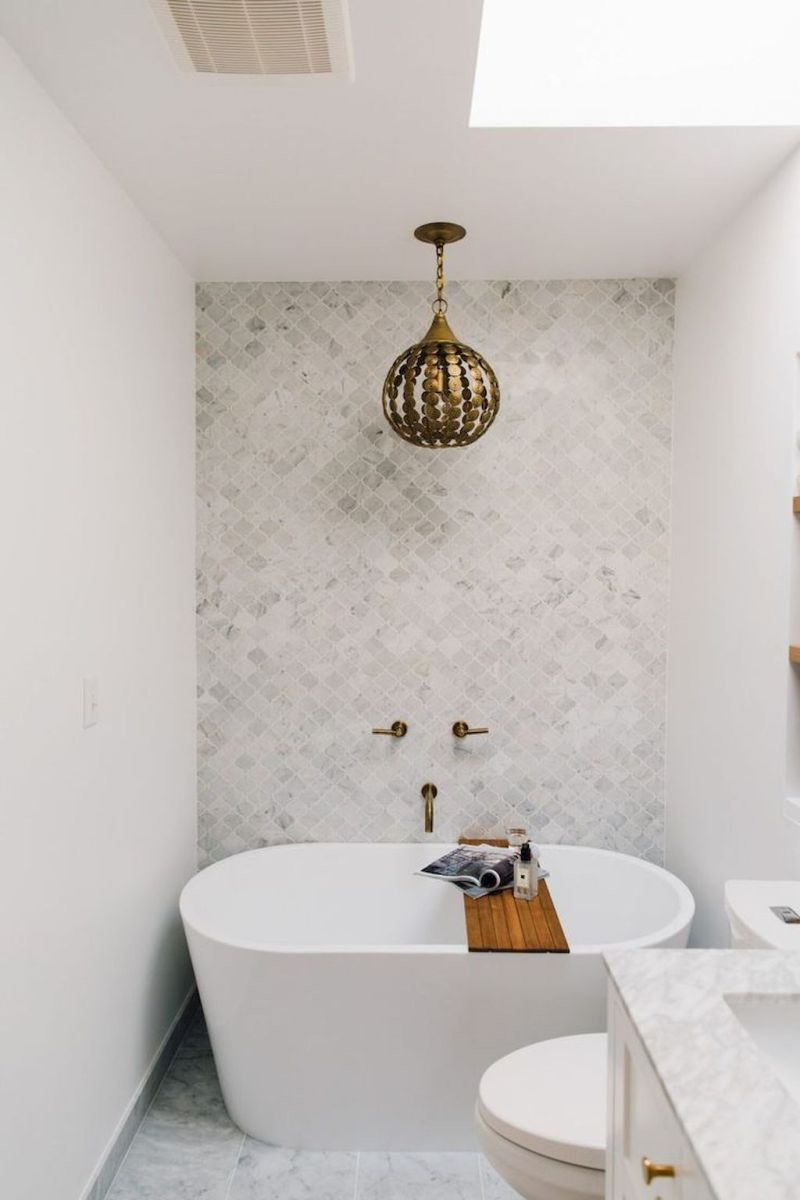 Small standing tubs powerful to make up small bathroom looks Part 16
