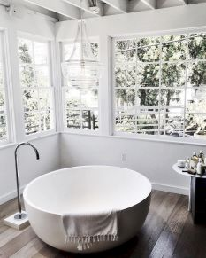 Small standing tubs powerful to make up small bathroom looks Part 7