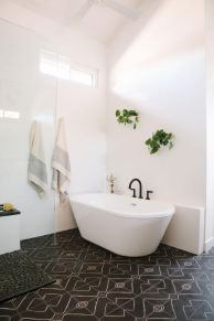 Small standing tubs powerful to make up small bathroom looks Part 9