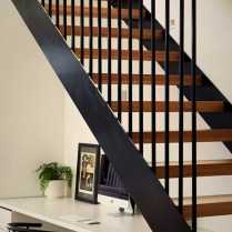 Floating stairs in two tones color scheme Brunswick Rd House (1)