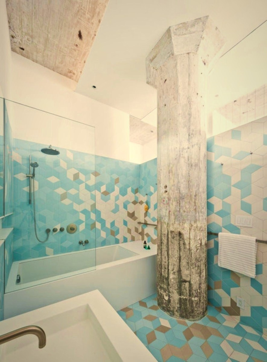 Geometric wall accents in calming tones in white and shades of blue – Doehler (1)