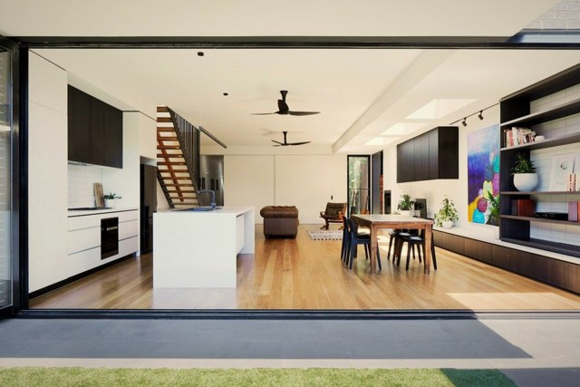 Open interior style increasing more sense of space Brunswick Rd House (5)