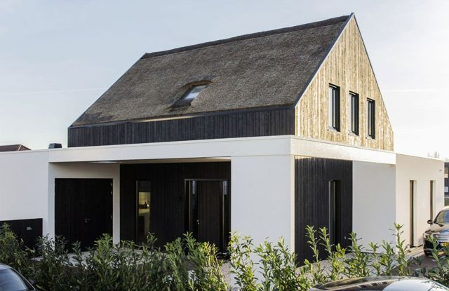 Modern barn house project designed with sleek character combining old and new architecture style Out Of The Box (3)